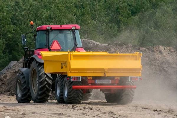 Przyczepa PRONAR T679/4M